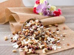 Semena a ořechy