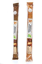 kavzkazská specialita tradiční vynikající tyčinka z hroznové šťávy, s vlašskými ořechy, velmi chutná, délka 40 cm, 200 g Nara-natur
