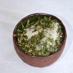 Zelená země Konopná sůl pepř a medvědí česnek - Směs himalájské soli, květů a listů konopí, medvědího česneku a pepře 165g Zelená Země s.r.o.