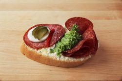 Chlebíček herkules na salátě 90 g